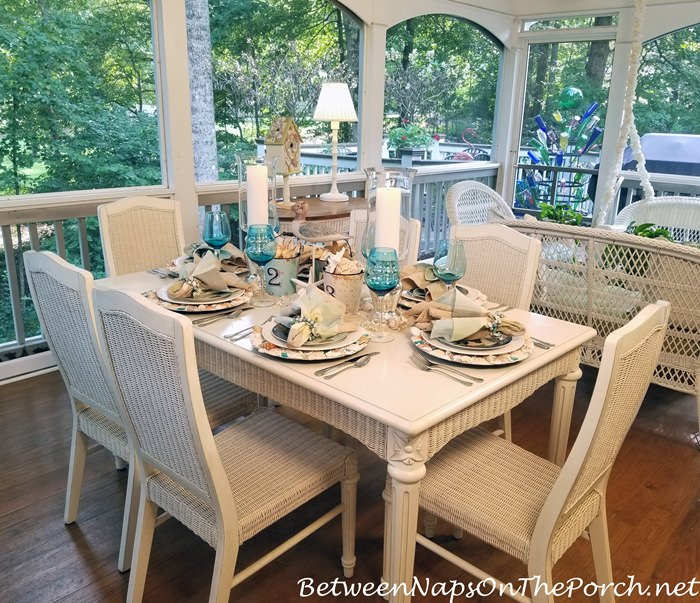 Dining on a Summer Screened Porch
