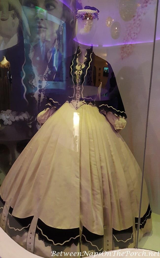 Dress Worn by Elizabeth Taylor