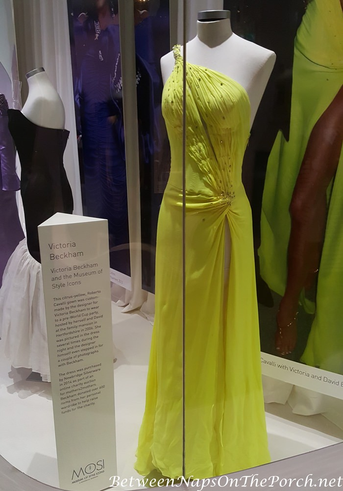Yellow dress worn by Victoria Beckham