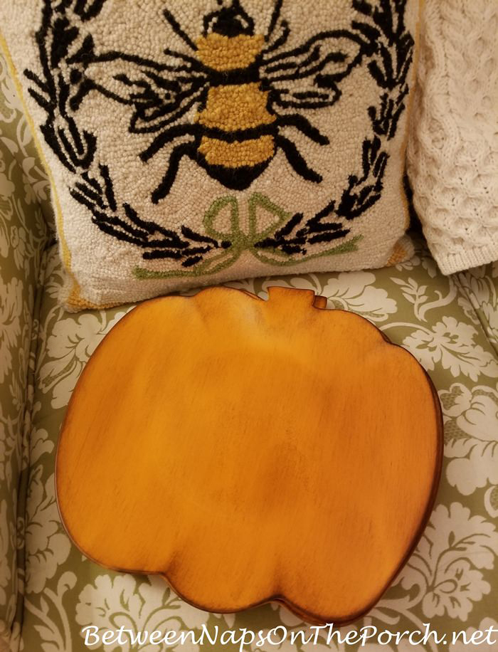 Pumpkin Charger Plates for Autumn & Halloween Table Settings