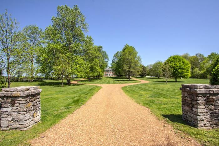 Beautiful 1803 Federal Home For Sale in Tennessee