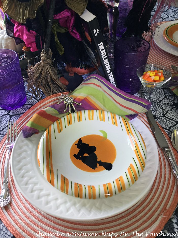 Witch Plates for a Halloween Table