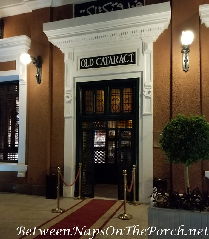 Old Cataract Hotel Entrance
