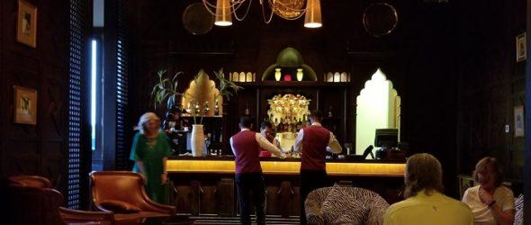 Old Legend Cataract Hotel Elegant Bar