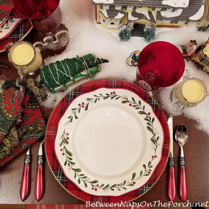 Better Homes & Garden Christmas Dinnerware-China