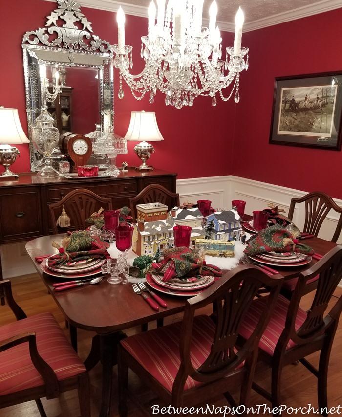 Christmas Table Setting, Christmas Vacation Movie Theme