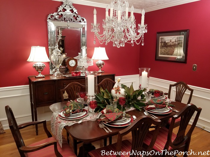 Christmas Table Setting, Red Dining Room