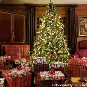 Decorated Christmas Tree, Plaid Wrapped Gifts