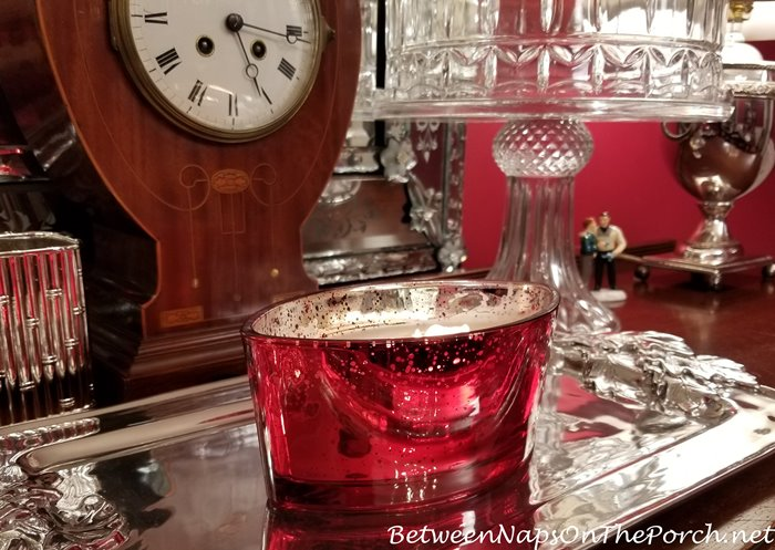 Woodwick Hearthwick Crimson Berries Candle in Red Mercury Glass Container