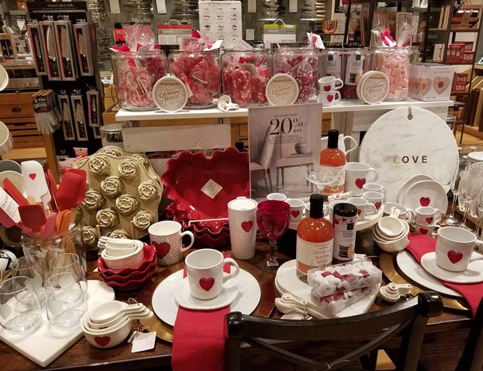 Valentines Day Tablescape Ideas