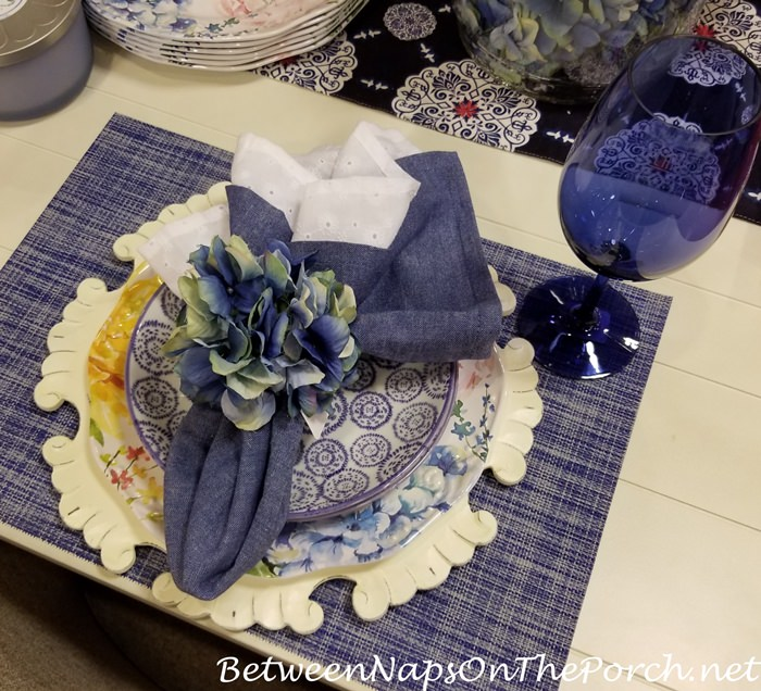 Blue and White Table Setting Design