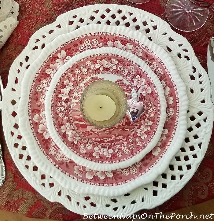 Spode Copeland, Tower in Valentine's Day Table Setting