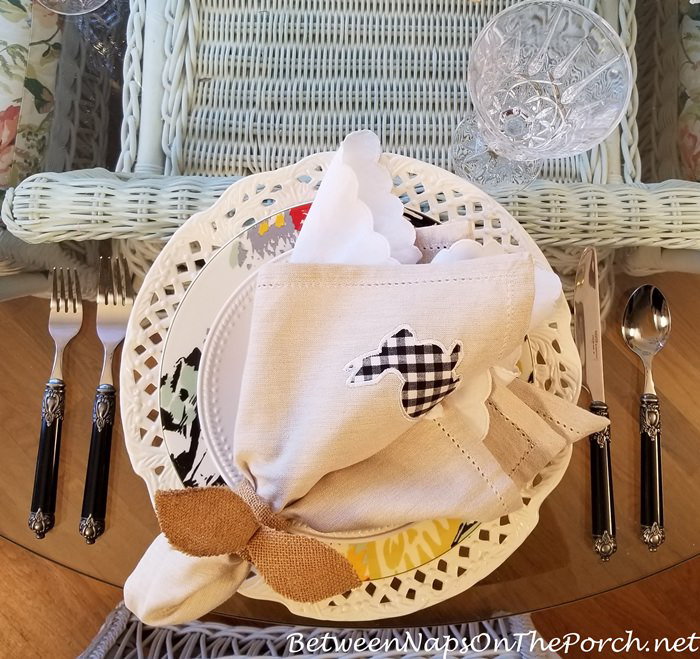 Black & White Gingham Linen Napkins with Bunny Motif