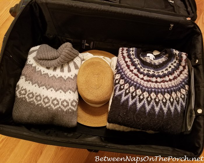 How to Pack Hat in Suitcase for Vacation Travel or Trip