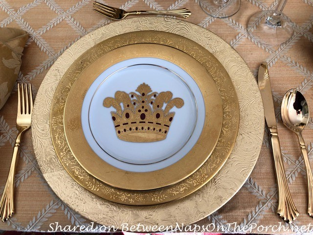 Hutschenreuther Dinner Plates and Muirfield Crown Salad Plates