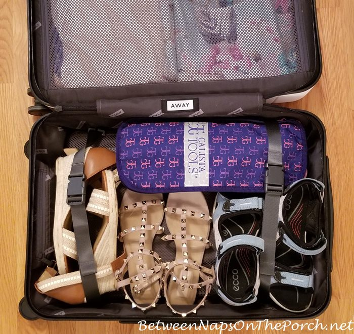 What fits in Away Bigger Carry-on Bag