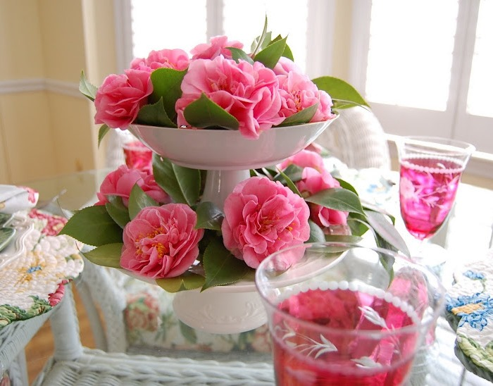 Debutante-Camellias-in-a-Tiered-Centerpiece-for-Spring-Tablescape