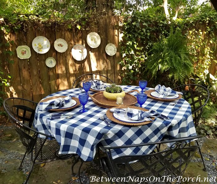 Decorate a fence with pottery, Outdoor Dining