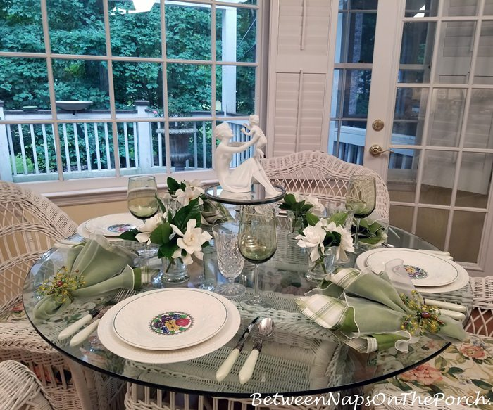 Tablescape Thursday, Between Naps On The Porch