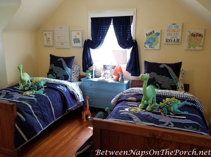 Boy's Bedroom Decorating Ideas, Dinosaur Themed