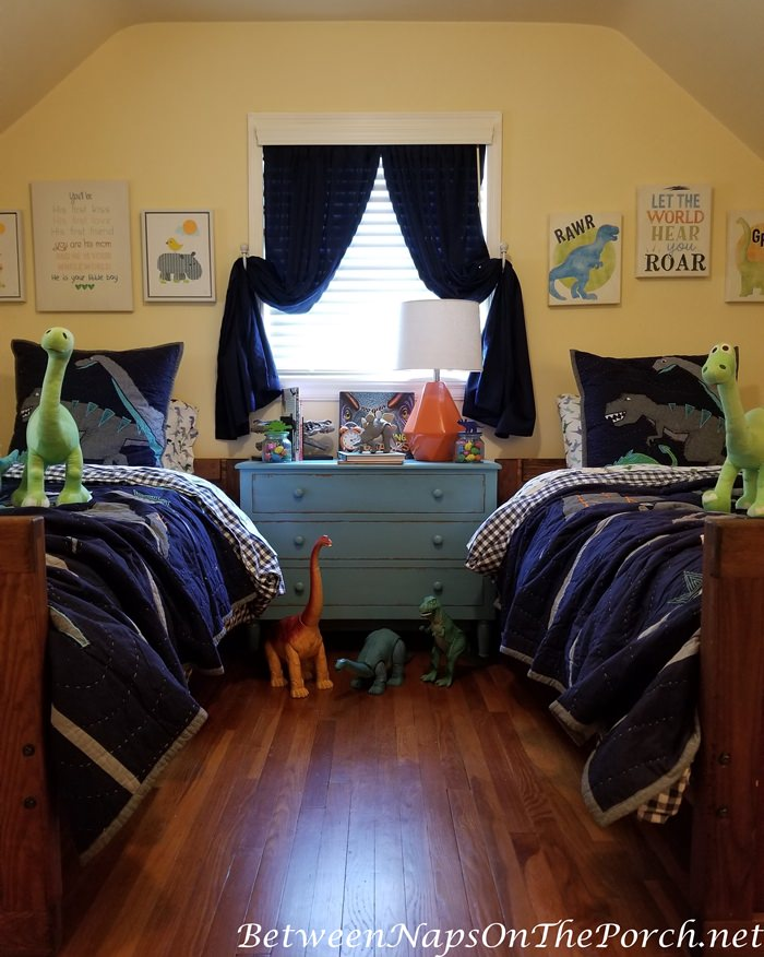 Boy's Dinosaur Themed Bedroom, Blue Chest, Pottery Barn Quilts