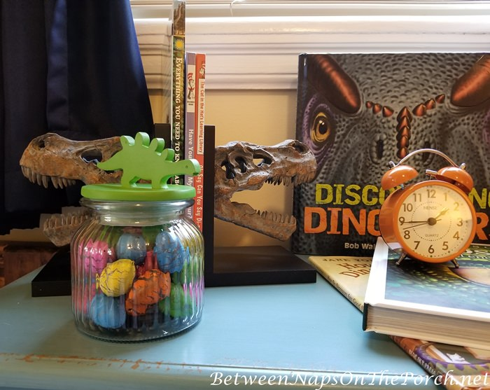Dinosaur Eggs, Boy's Bedroom