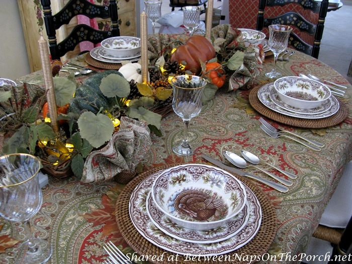 Fall Autumn Table, Perfect for Thanksgiving Table Setting