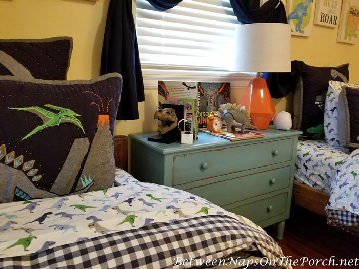 Orange Accents for Boy's Bedroom