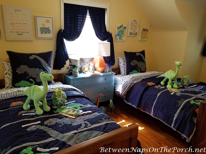 Pottery Barn Dinosaur Quilts for Boy's Bedroom