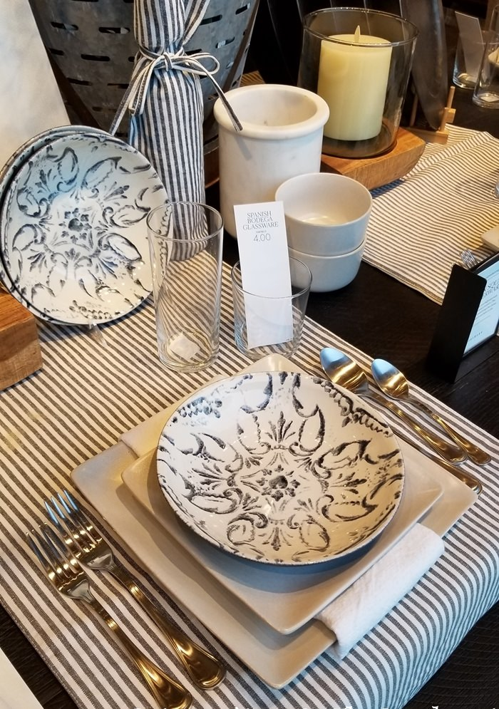 Black-white dinnerware