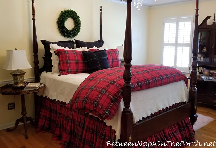 Red & Green Tartan Bedding for a Fall Winter Bed