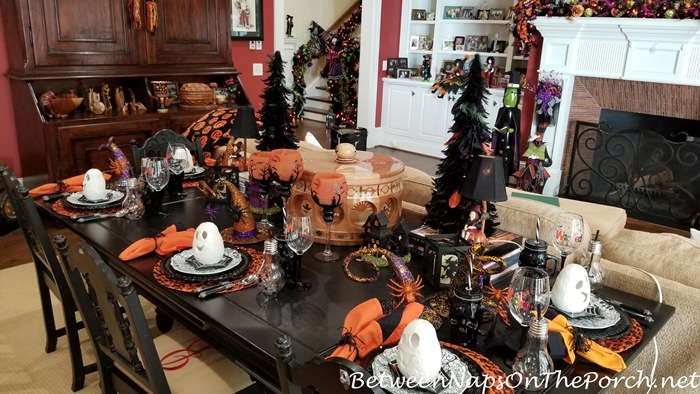 Adorable Halloween Table