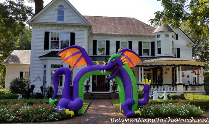 Halloween Exterior Decorating Ideas