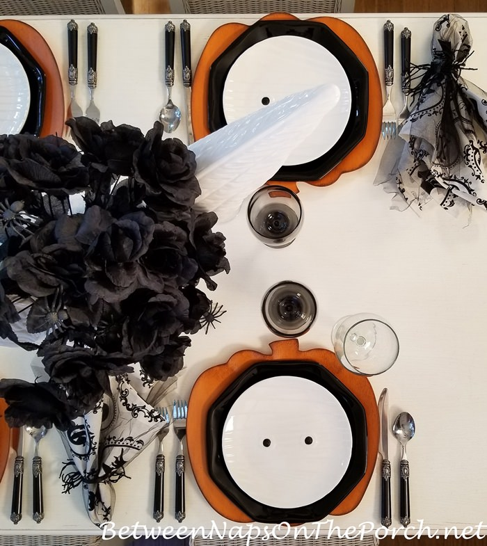 Halloween Table Setting, Pumpkin Chargers