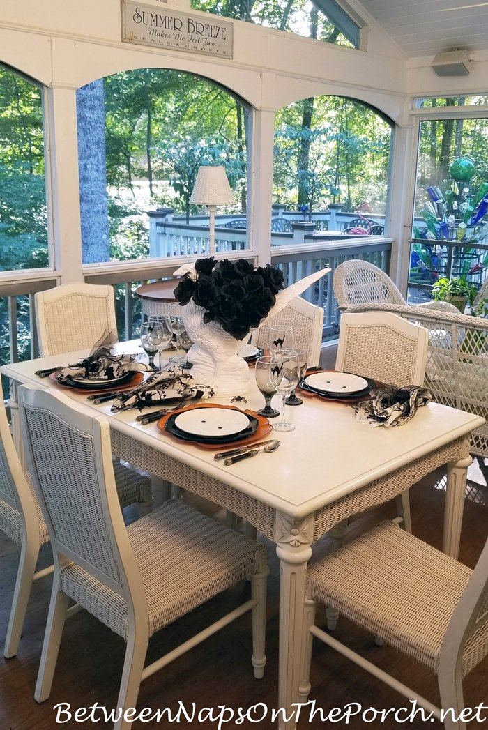 Halloween Tablescape on the Porch