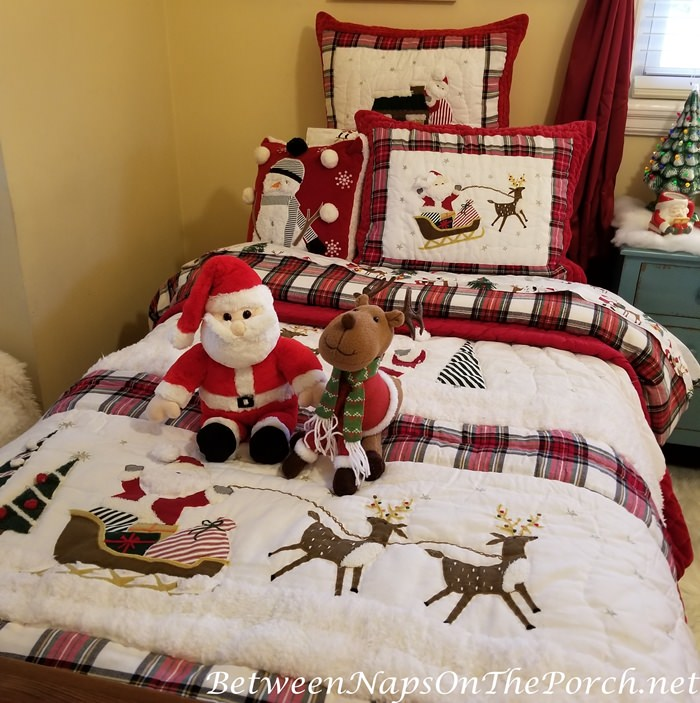 Adorable Santa & Reindeer Bedding