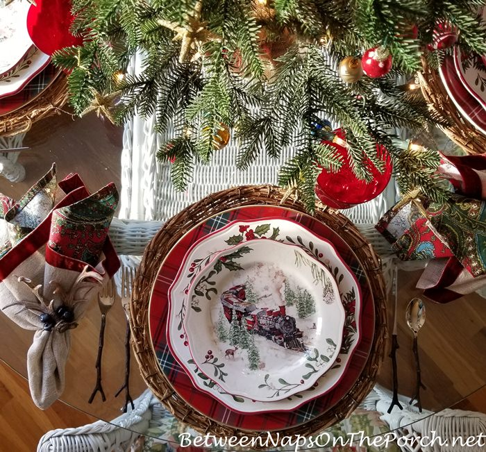 Better Home & Gardens Christmas China, Train Pattern