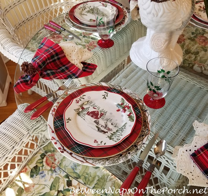 Better Homes and Gardens Christmas China, Tartan Chargers
