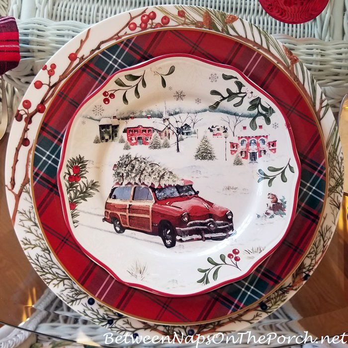 Christmas Plate, Woody Car with Christmas Tree