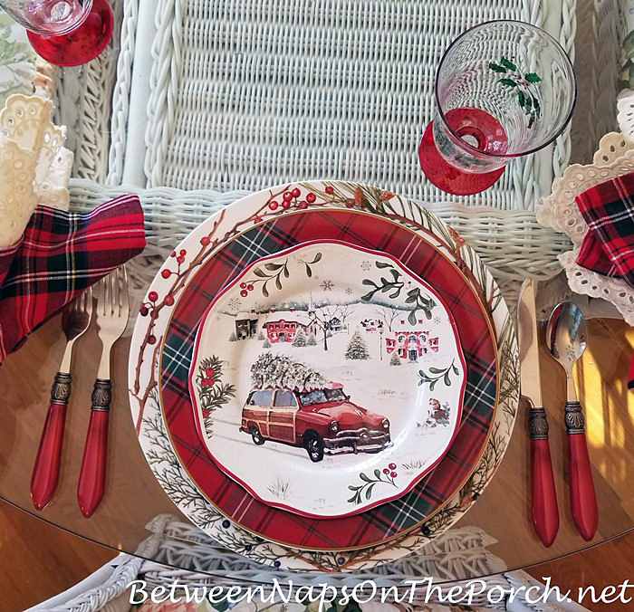 Christmas Tablescape, Tartan Dinner Plate with Christmas Woody Car