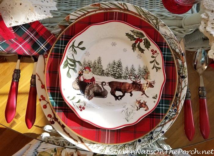 Tartan Chargers, Christmas Plates