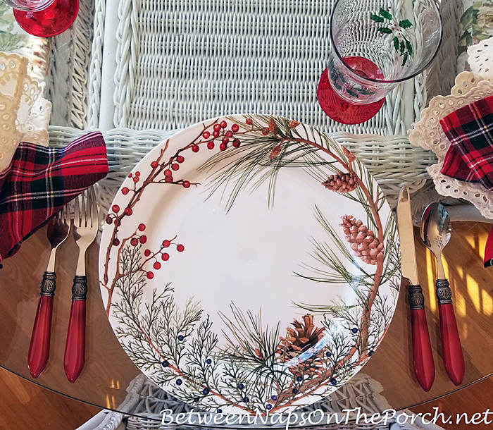 Woodland Berry Charger Plate for Christmas Table Setting