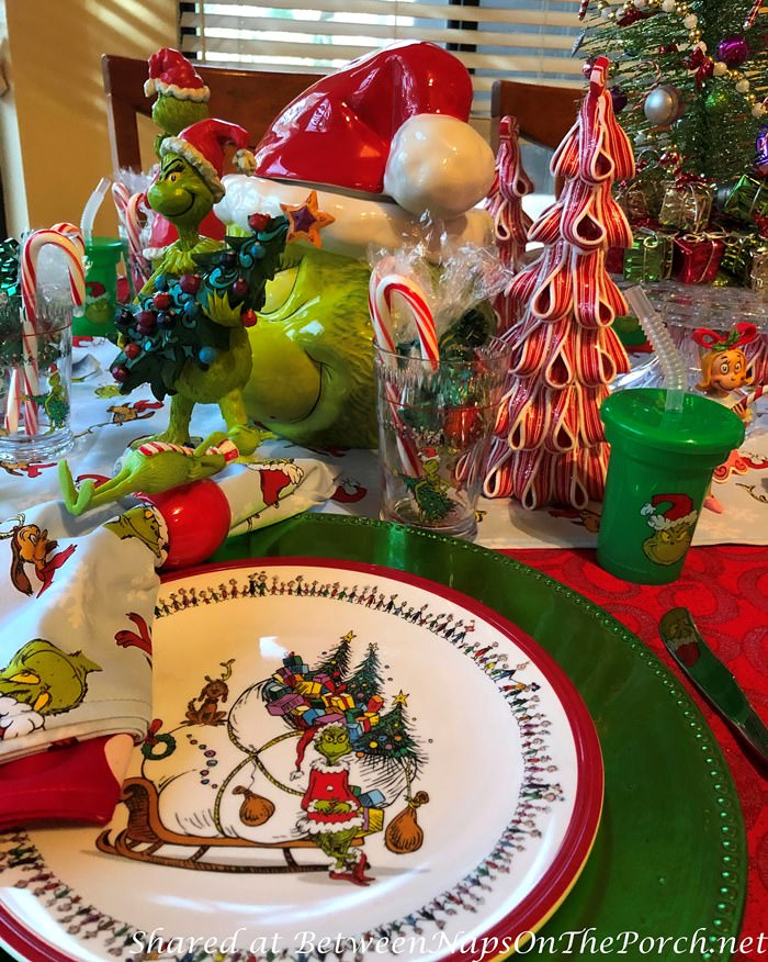 How the Grinch Stole Christmas Plates, Dinnerware