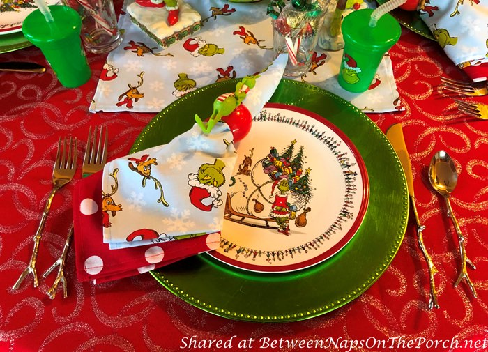 How the Grinch Stole Christmas Salad Dessert Plates and Napkins