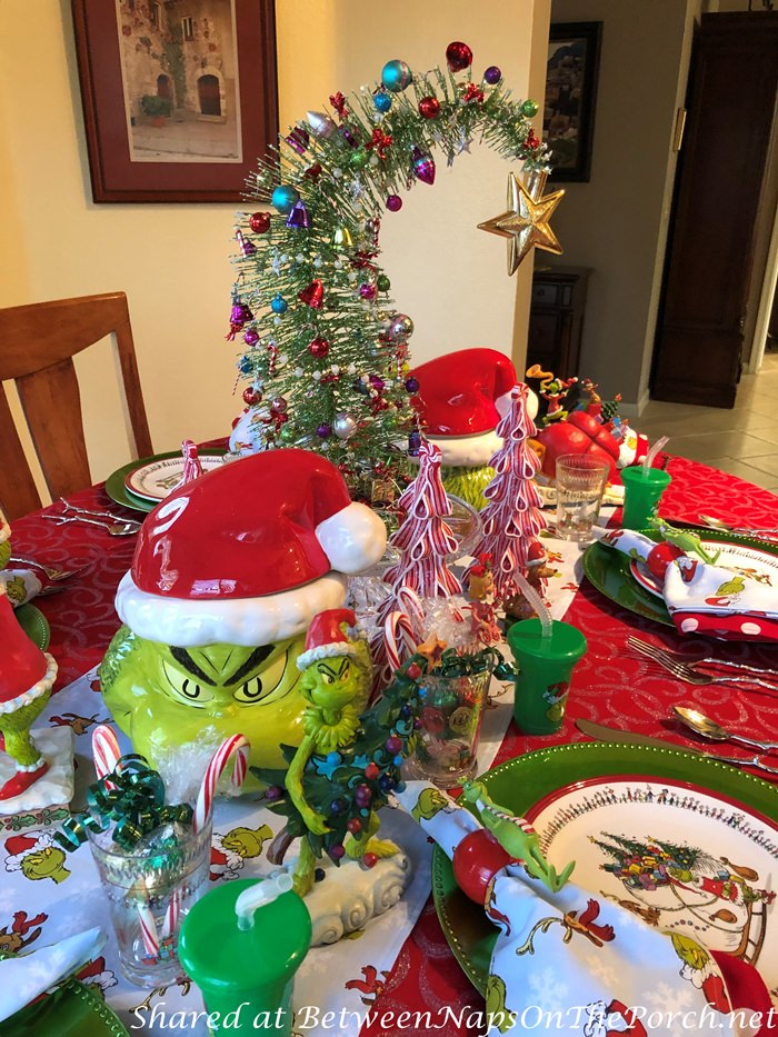 How to Make a Bent Grinch Christmas Tree