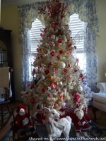 Celebrate Valentine's Day (and All the Holidays) with a Decorated Tree Year-Round