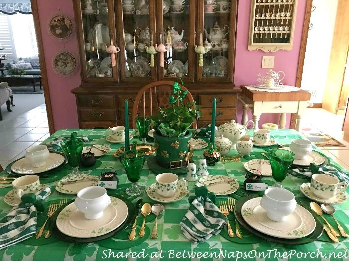 St. Patrick's Day Table Setting with Shamrock Plates, St. Patrick's Day Decorating