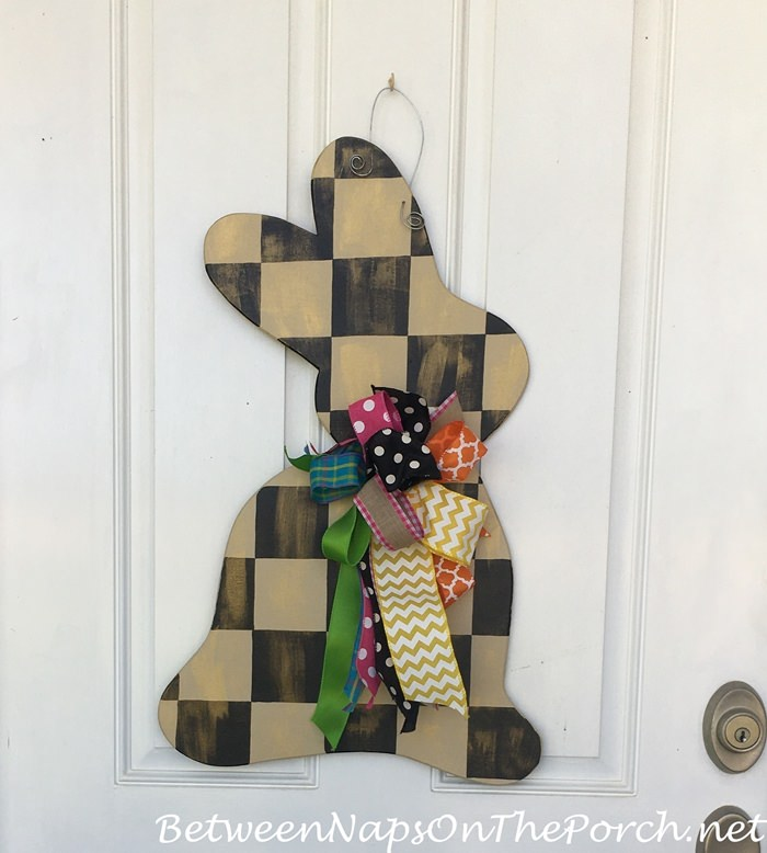 Bunny Door Decoration, Checked Bunny