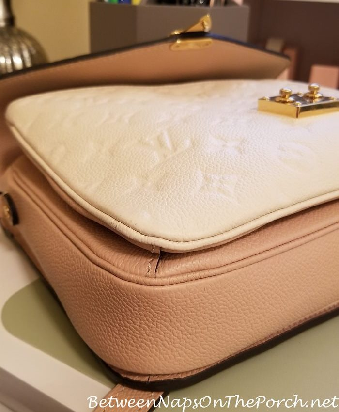 How to remove dirt from corners of leather bag
