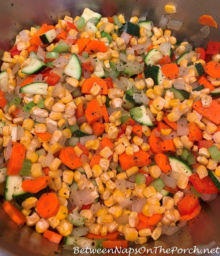 How to Make Tomato-Pepper Veggie Tortellini Soup